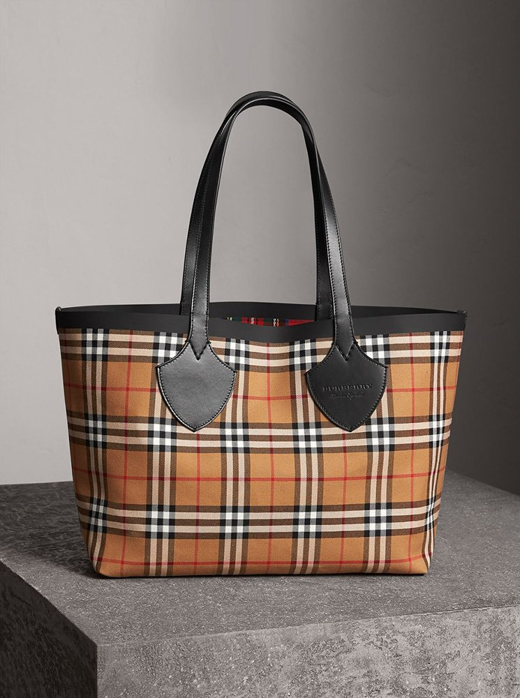 Burberry-Giant-Reversible-Bag
