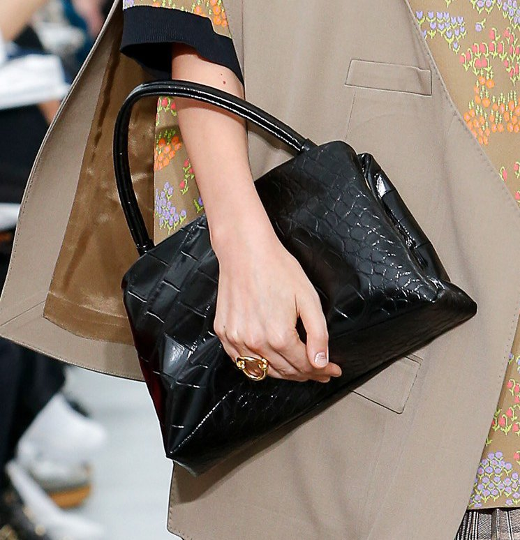 Celine-Spring-Summer-2018-Runway-Bag-Collection-7