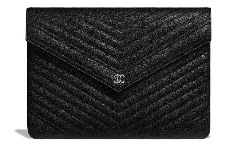 Chanel-Signature-Envelope-Pouches-2
