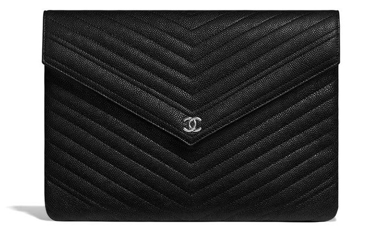 Chanel-Signature-Envelope-Pouches-4