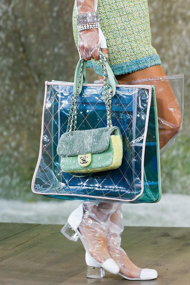 Chanel-Spring-Summer-2018-Runway-Bag-Collection-23