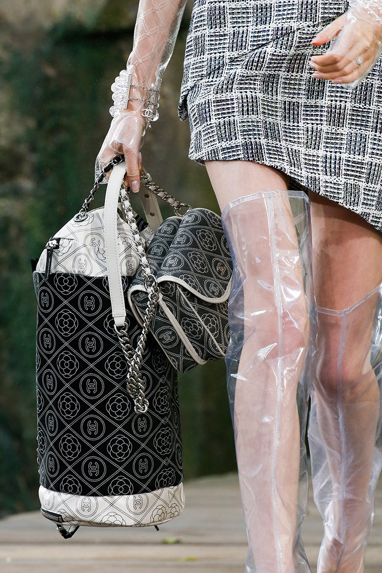 Chanel-Spring-Summer-2018-Runway-Bag-Collection-30