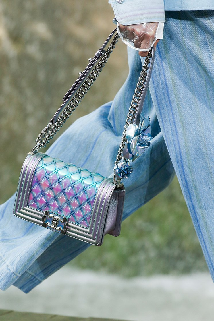 Chanel-Spring-Summer-2018-Runway-Bag-Collection-44