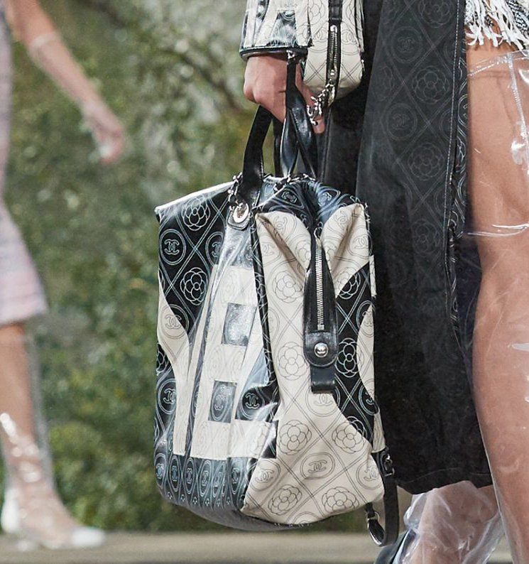 Chanel-Spring-Summer-2018-Runway-Bag-Collection-62