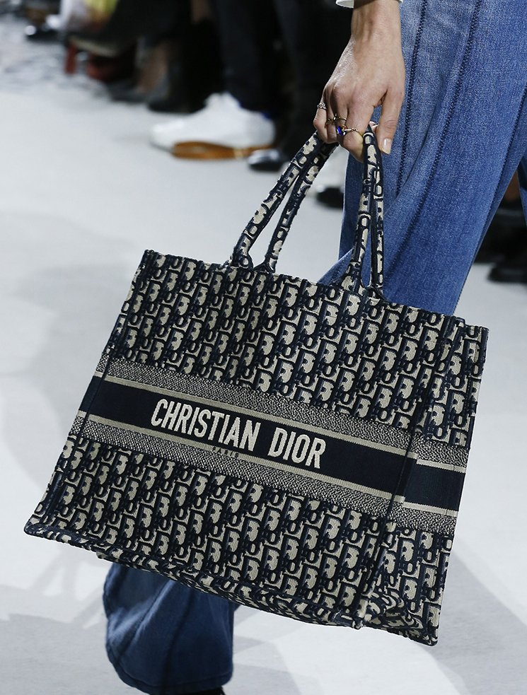 Dior-Spring-Summer-2018-Runway-Bag-Collection