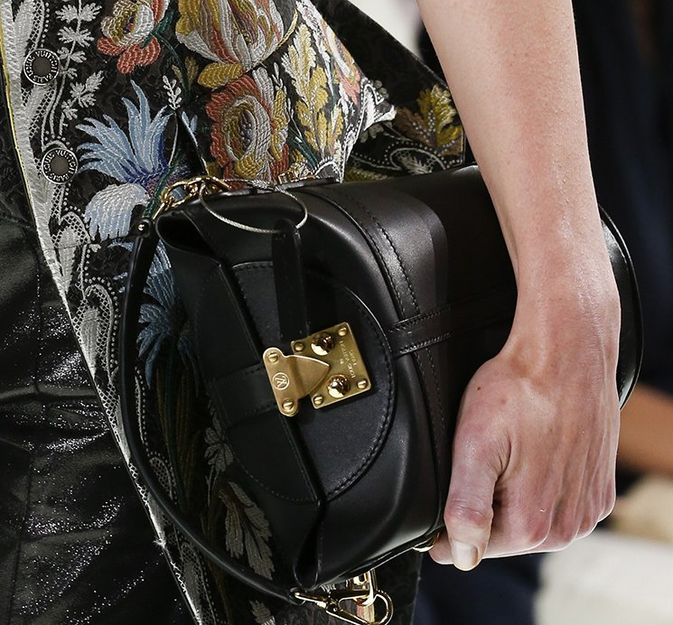Louis-Vuitton-Spring-Summer-2018-Runway-Bag-Collection-17