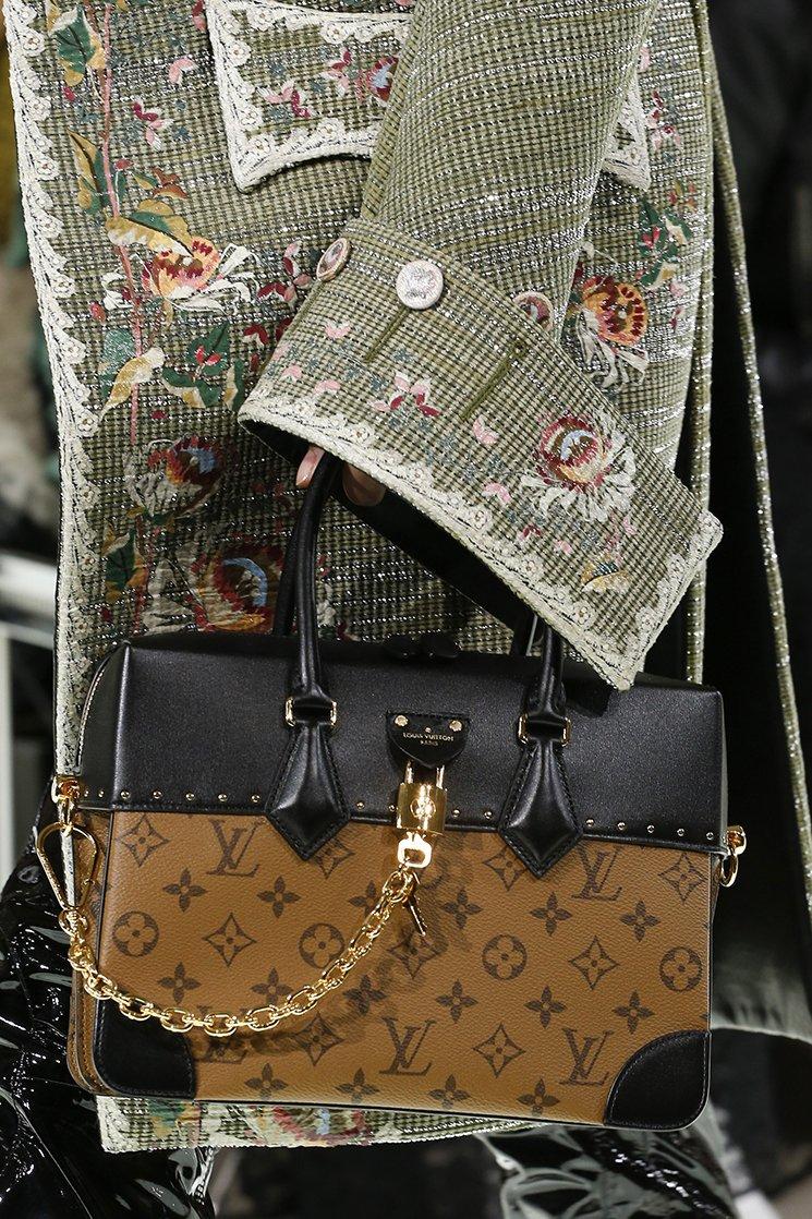 Louis-Vuitton-Spring-Summer-2018-Runway-Bag-Collection-19