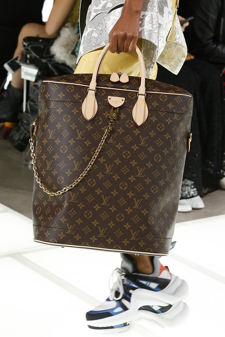Louis-Vuitton-Spring-Summer-2018-Runway-Bag-Collection-24