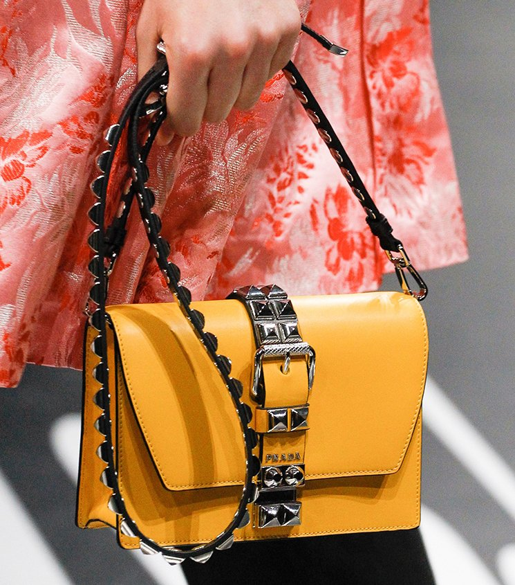 ae3a5d2e69e3 Prada-Spring-Summer-2018-Runway-Bag-Collection-3