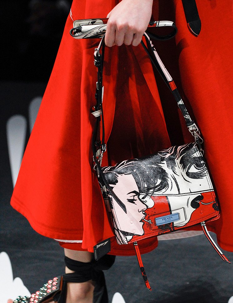 Prada-Spring-Summer-2018-Runway-Bag-Collection-40
