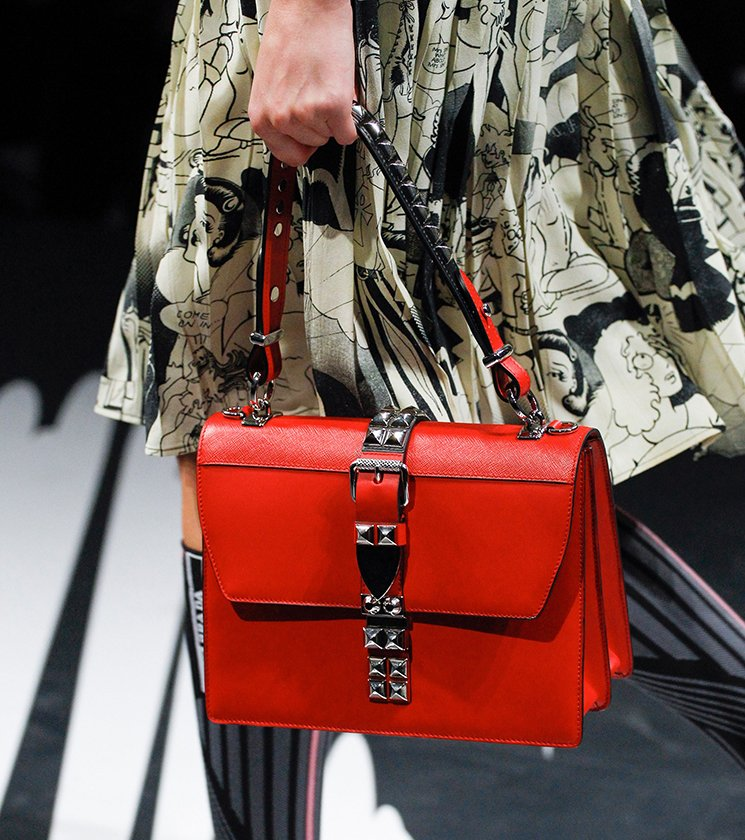 Prada-Spring-Summer-2018-Runway-Bag-Collection-44