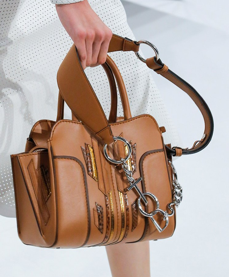 Tods-Spring-Summer-2018-Runway-Bag-Collection-10