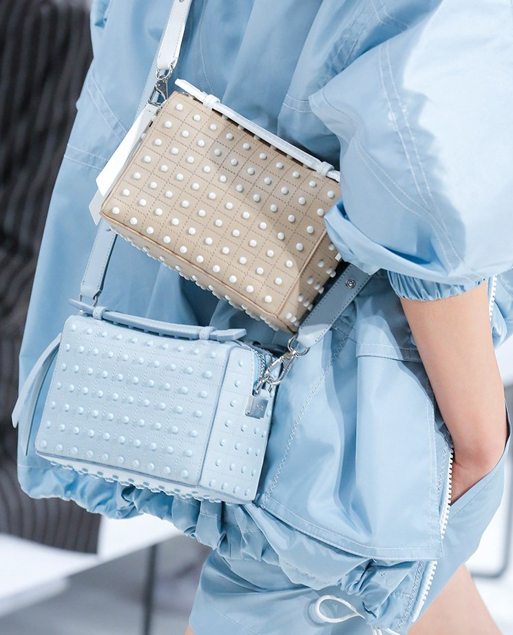 Tods-Spring-Summer-2018-Runway-Bag-Collection-19