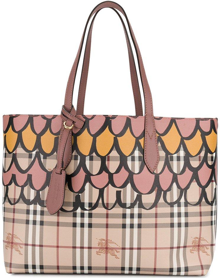 Burberry-Doodle-Reversable-Bag-2