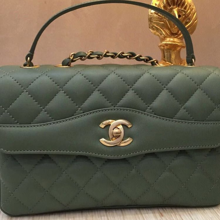 Chanel-Coco-Vintage-Flap-Bag-16
