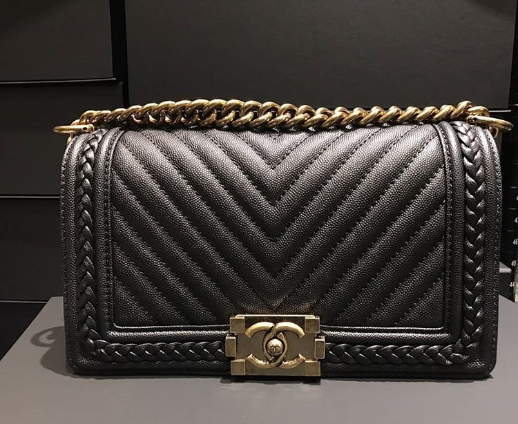 Chanel-Braid-Around-Chevron-Bag-8