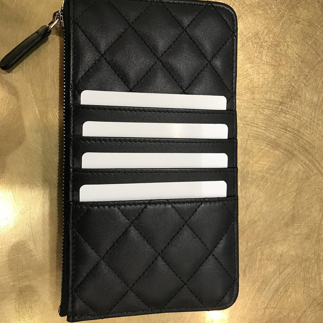 7d2ee511f527 Chanel Classic Flat Wallet Pouches | Bragmybag