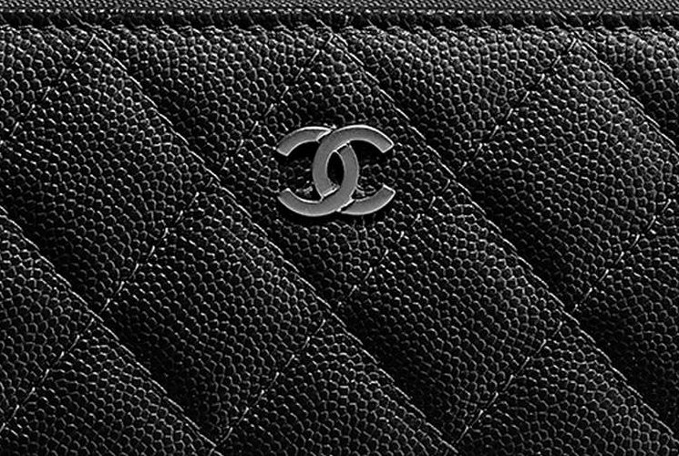 Chanel-Classic-Side-Zipped-Wallet-3