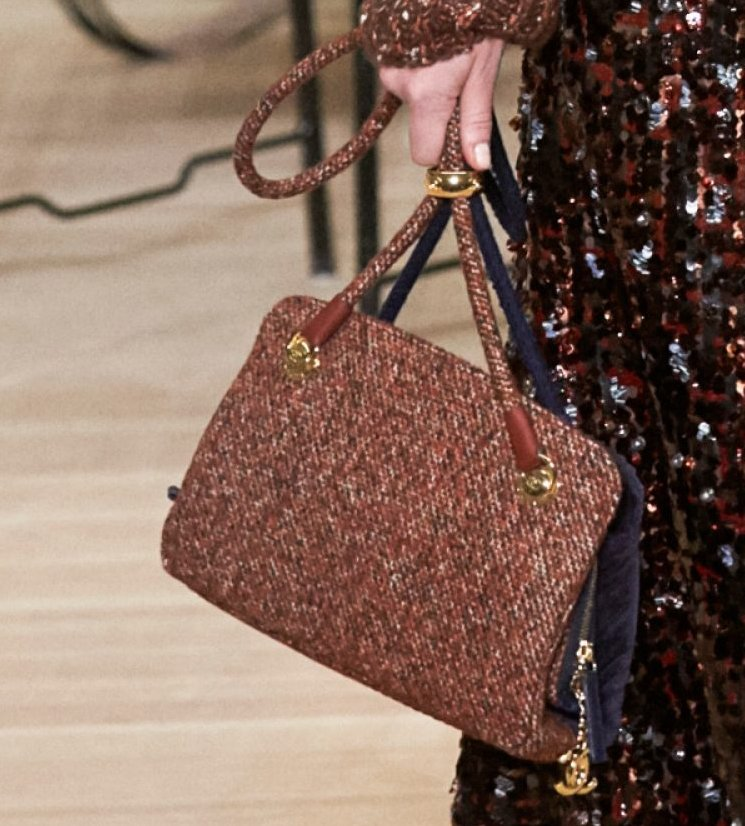 Chanel-Metiers-D_Art-2018-Runway-Bag-Collection-23