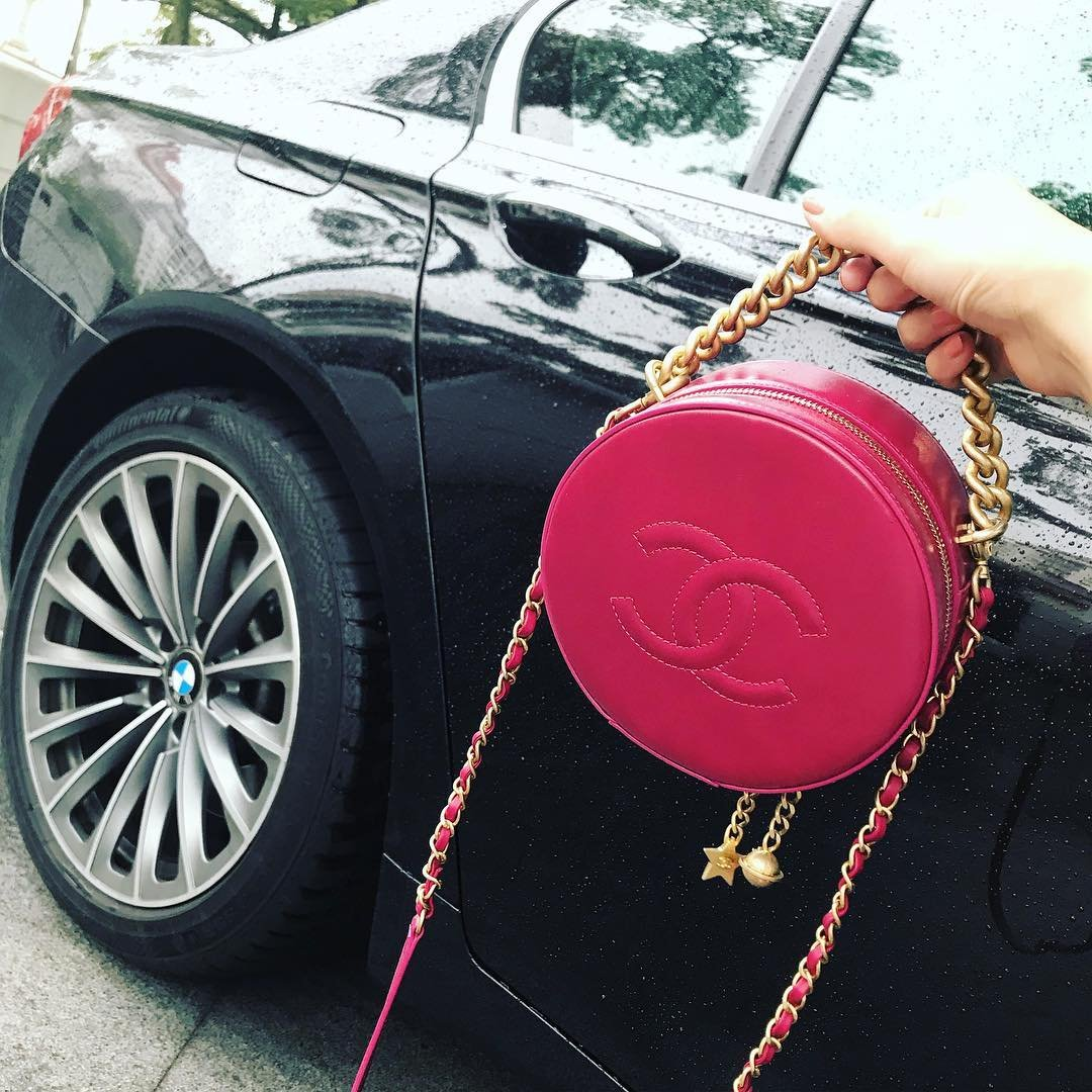 Chanel-Round-As-Earth-Bag-10
