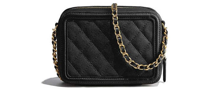 Chanel-CC-Filigree-Vanity-Clutch-With-Chain-4