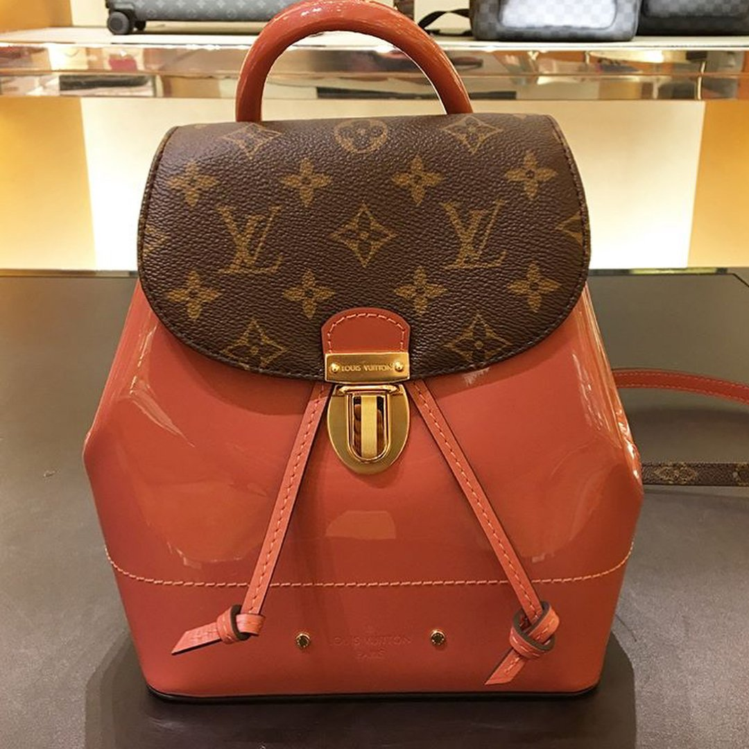 Louis-Vuitton-Hot-Springs-Backpack-9
