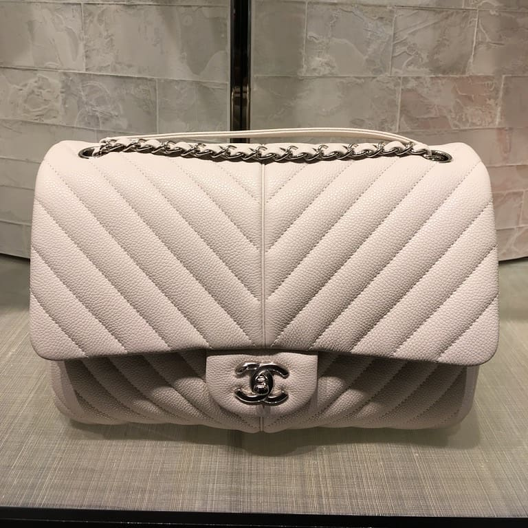 Chanel-puffy-bag-white