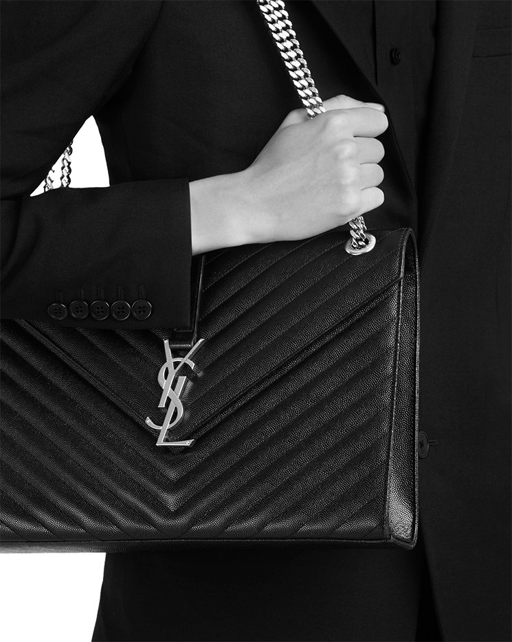Saint-Laurent-Envelope-Chain-Bag-8