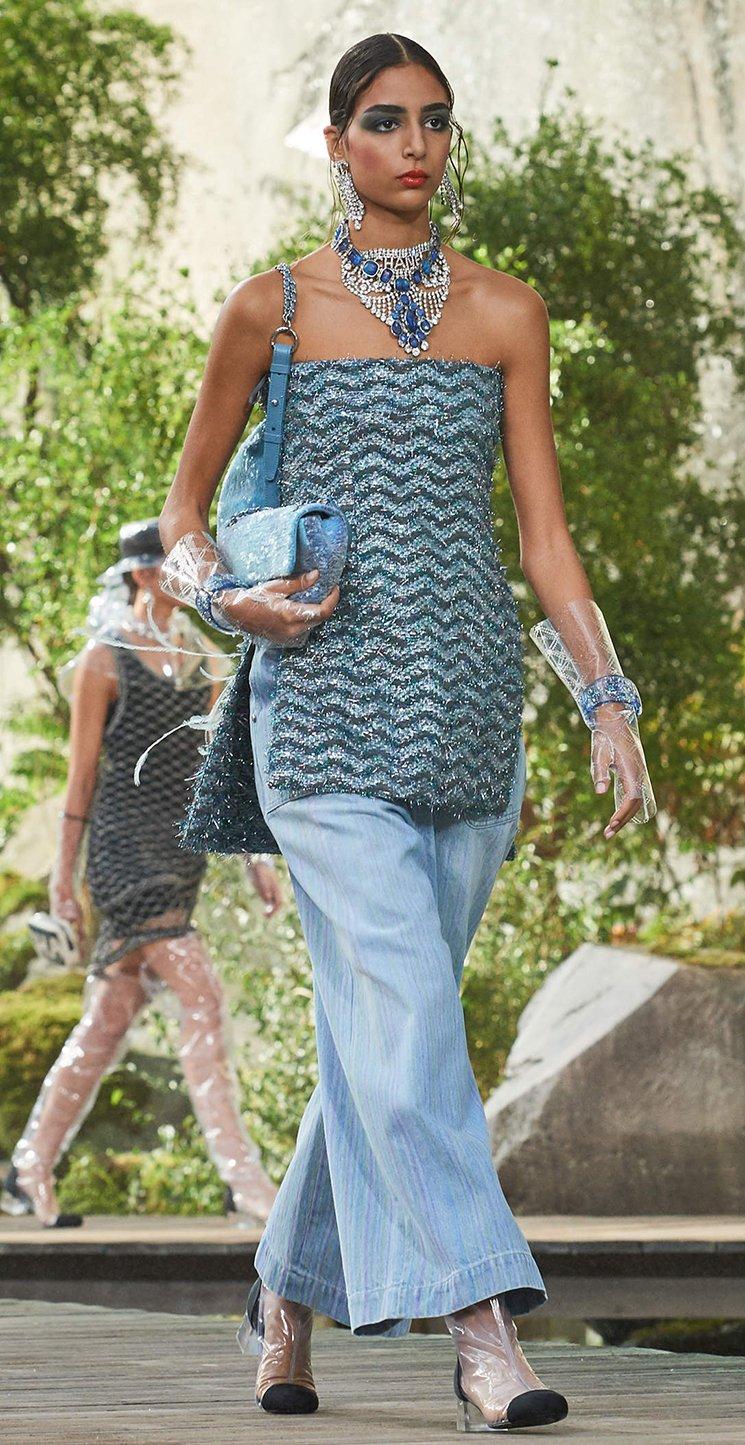 Chanel-Bi-Classic-Waist-Bag-6
