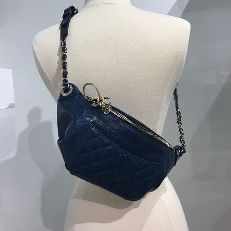 Chanel-Bi-Classic-Waist-Bag-9