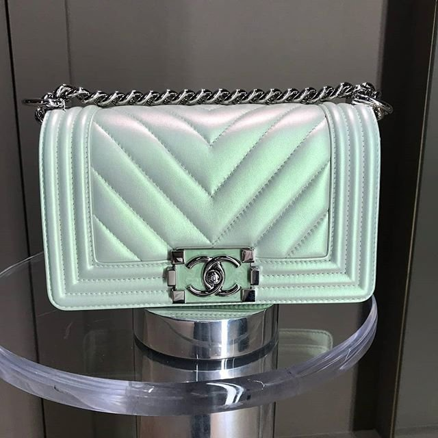 Chanel-Boy-Chevron-Colored-Clasp-Bag-10
