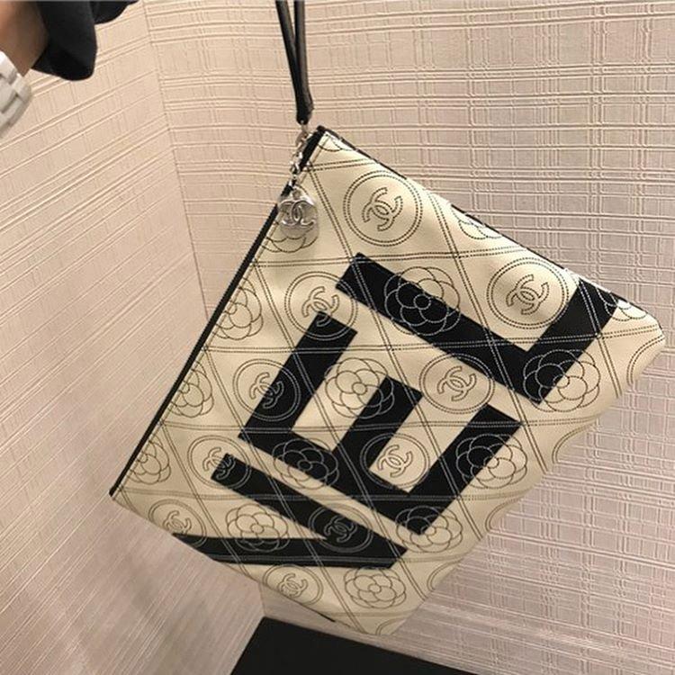 Chanel-Camellia-Logo-O-Case-2