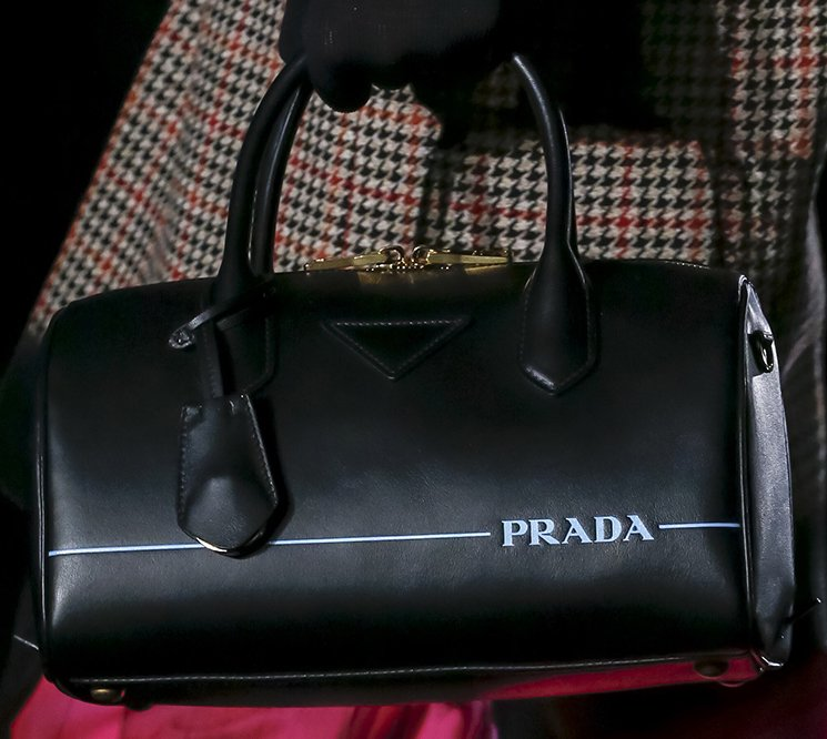 73af87cfc442 Prada-Fall-Winter-2018-Collection-Preview-8