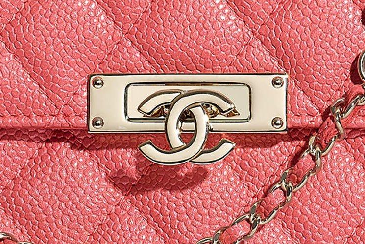 Chanel-Golden-Class-CC-Square-WOC-3