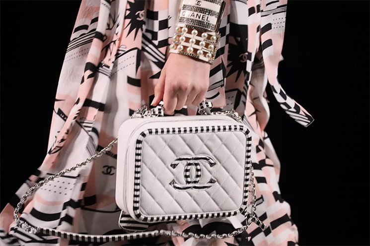 A-Taste-Of-Chanel-CC-Filigree-Vanity-Cases-From-The-Cruise-2019-Collection