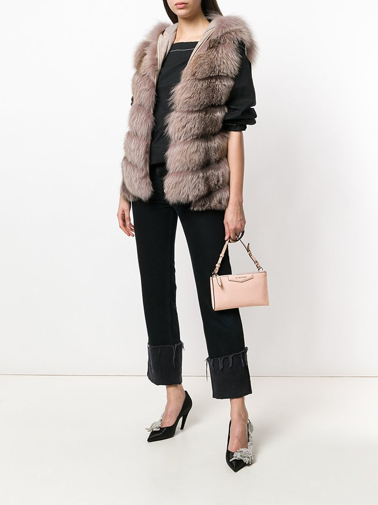 Givenchy-Antigona-Pouch-With-Strap-2