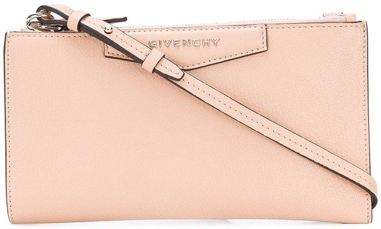 Givenchy-Antigona-Pouch-With-Strap-3