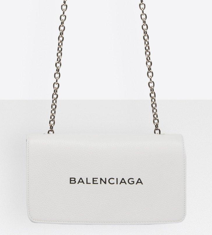 Balenciaga-Everyday-Chain-Wallet-Bag-2
