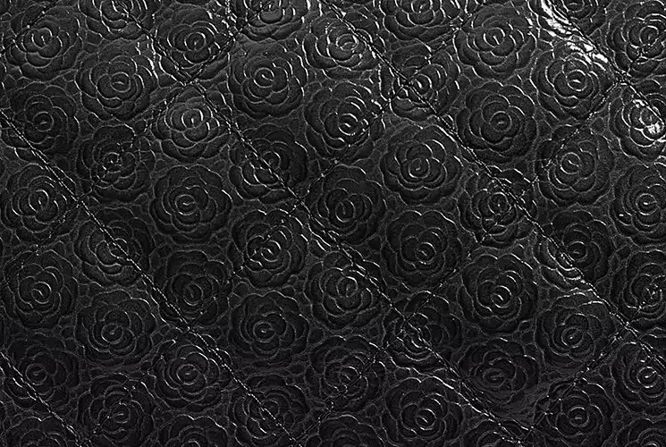Chanel-Camellia-Quilted-Enamel-CC-Case-4