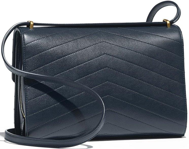 Chanel-Chevron-Medal-Flap-Bag-14