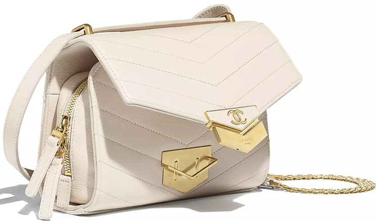 Chanel-Chevron-Medal-Flap-Bag-9