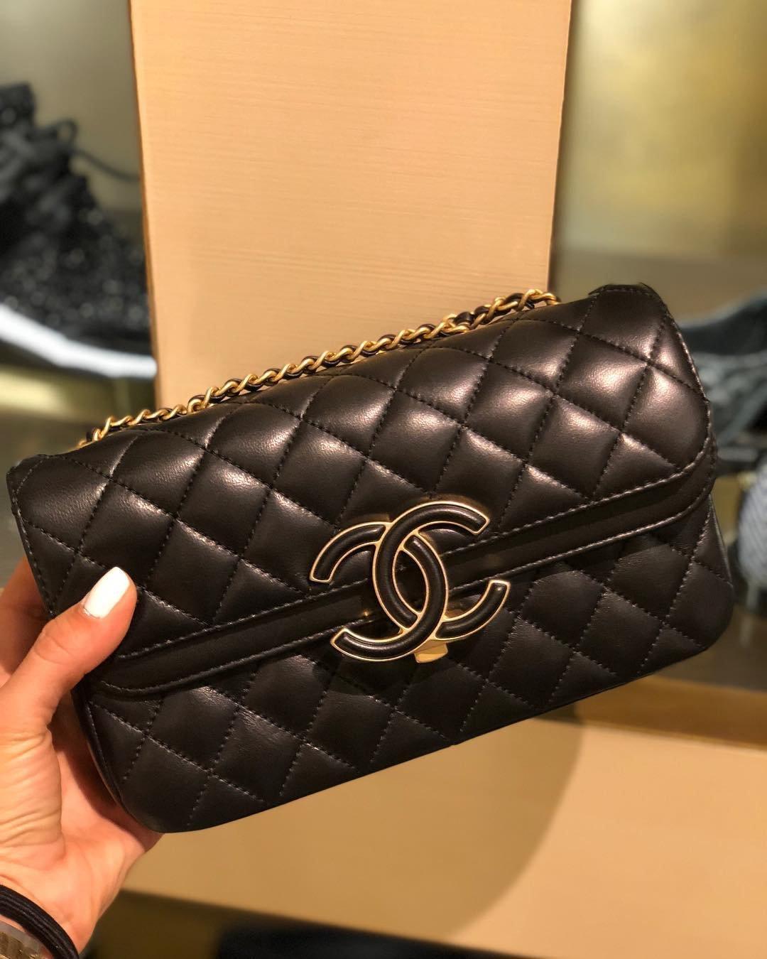 Chanel-Enamel-CC-Flap-Bag-10