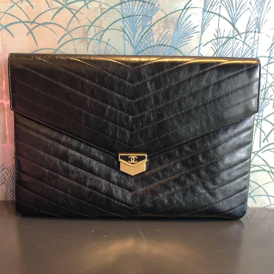 Chanel-Envelope-O-Case-4