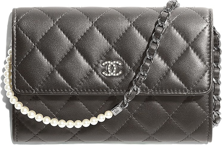 Chanel-Pearl-Classic-Clutch-With-Chain