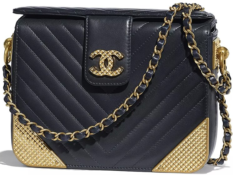 Chanel-Pre-Fall-2018-Bag Collection-47
