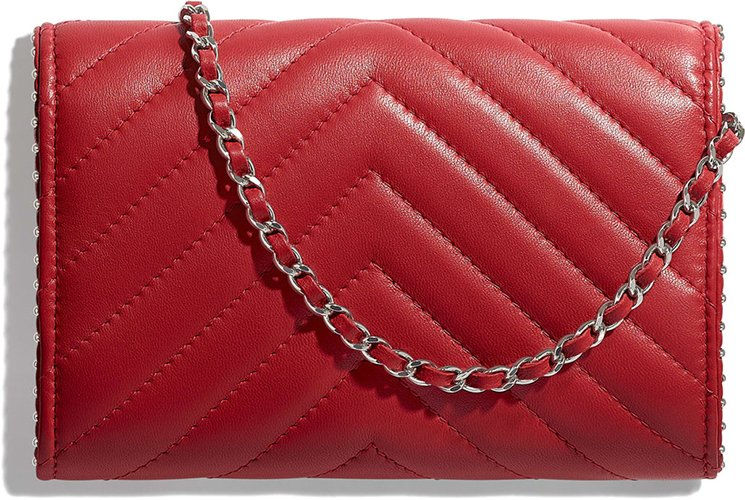 Chanel-Side-Studded-Clutch-With-Chain-2