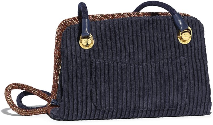 Chanel-Tweed-Shopping-Bag-5