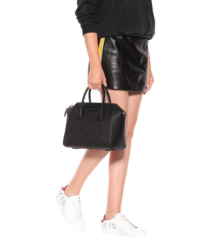 Givenchy-Antigona-GG-Logo-Bag-2