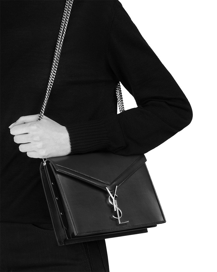 Saint-Laurent-Cassandra-Chain-Bag-5