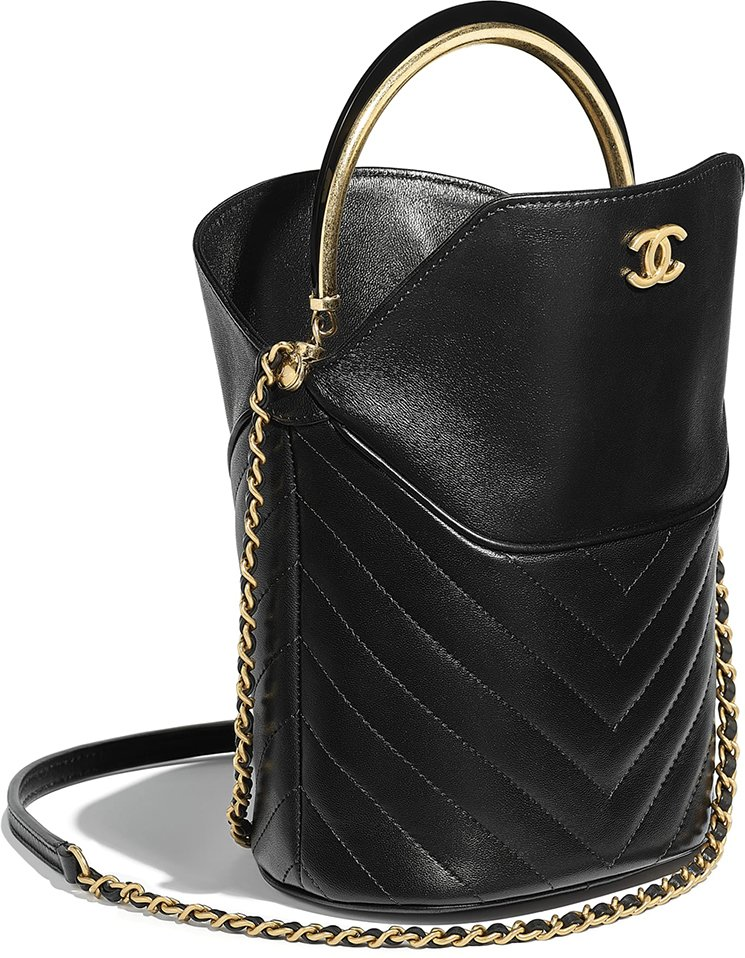 Chanel-Handle-With-Chic-Bag-3